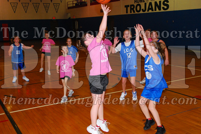 4th Girls Valley vs Monmouth ICS 02-21-09 046