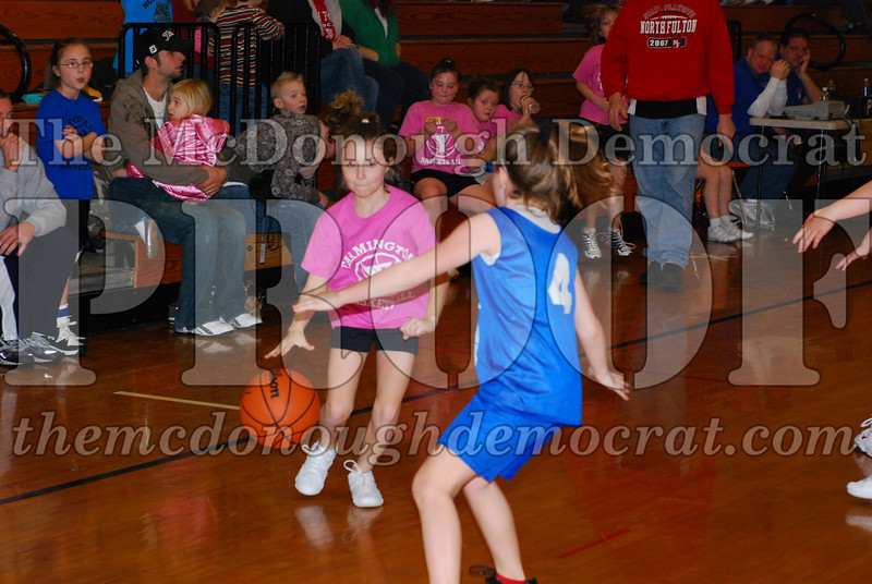4th Girls Valley vs Monmouth ICS 02-21-09 030
