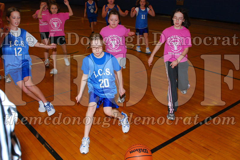 4th Girls Valley vs Monmouth ICS 02-21-09 003