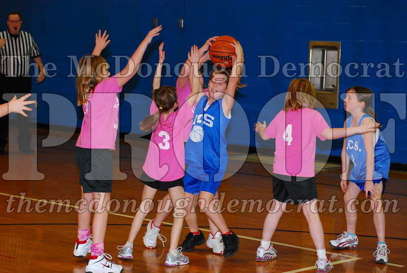 4th Girls Valley vs Monmouth ICS 02-21-09 009