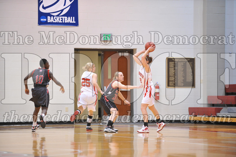 Coll Women's Bb Monmouth vs Grinnell 01-25-12 004