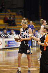 RND 6 Lady Braves v Hobart 28 Apr 2012