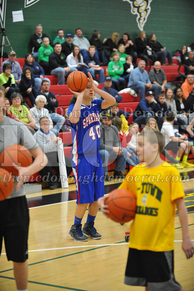 HS B Bb Reg CF 3-pt Shoot Out 02-28-14 025