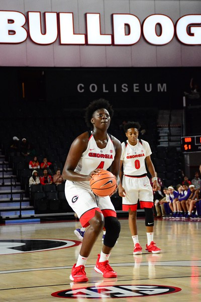 Caliya Robinson (4) during the Lady Bulldogs' game against Furman at Stegeman Coliseum in Athens, Ga. on Thursday, Nov. 30, 2017.   - UGA WOMEN'S BASKETBALL TEAM -  (Photo by Caitlyn Tam/Georgia Sports Communication)