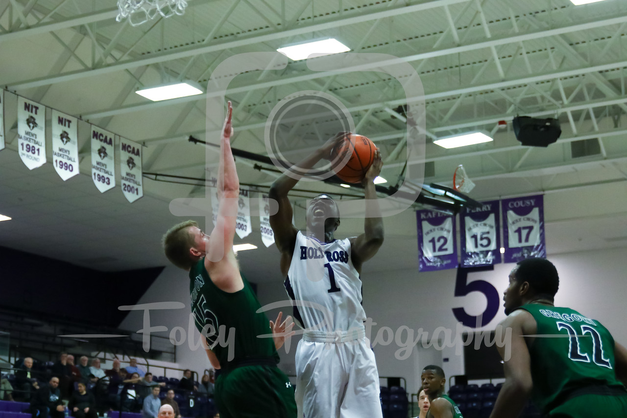 Holy Cross Crusaders forward Karl Charles (1)