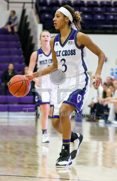 Holy Cross Crusaders guard Infiniti Thomas-Waheed (3)
