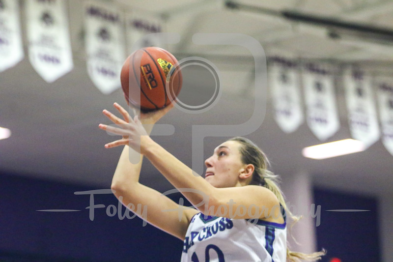 Megan Swords (10) of the Holy Cross Crusaders