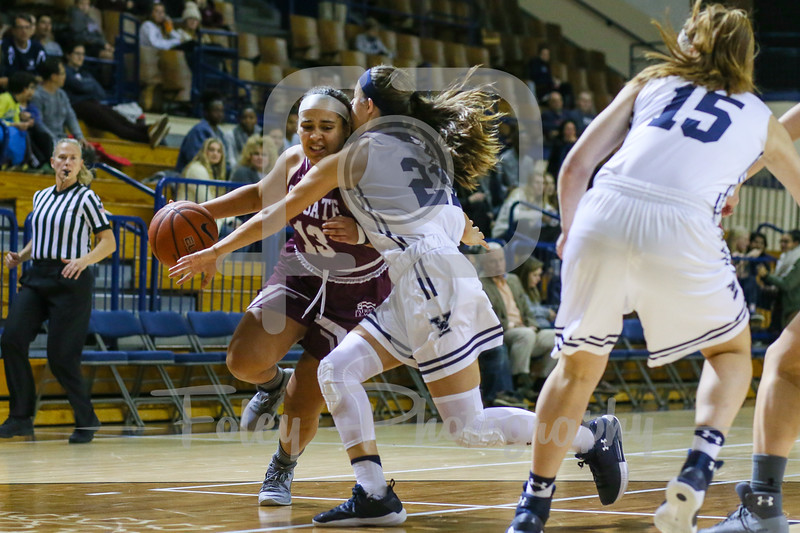 Colgate Raiders guard Keelah Dixon (13) Yale Bulldogs guard Roxy Barahman (21)