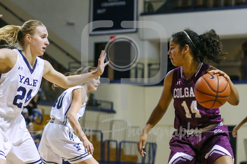 Colgate Raiders guard Rachel Thompson (14)