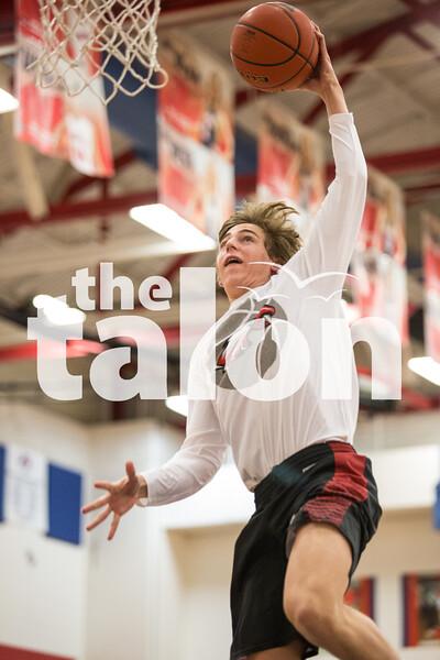 The Eagles take on Aubrey on Feb. 12, 2016 in Aubrey, Texas. (Christopher Piel/The Talon News)