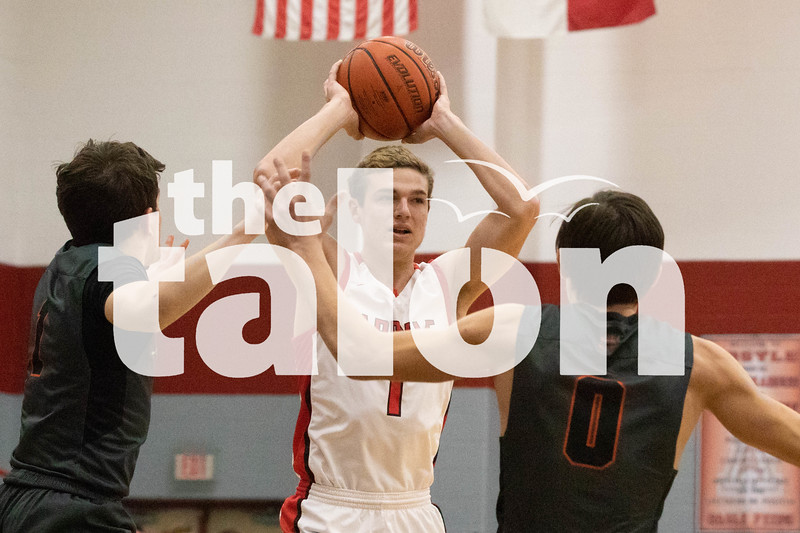 The Eagles defeat Springtown in their game on Jan. 11, 2019. (Campbell Wilmot/ The Talon News).