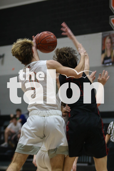 The Eagles defeat the Springtown Porcupines at Springtown high school on January 17, 2020. (Katie Ray   The Talon News)