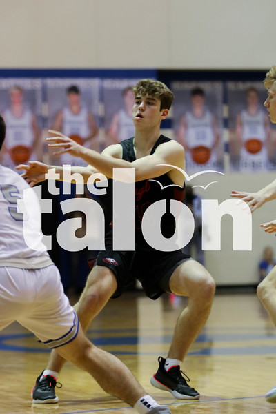 The Argyle Eagles defeat the Decatur Eagles at Decatur high school on January 24, 2020. ( Katie Ray | The Talon News )
