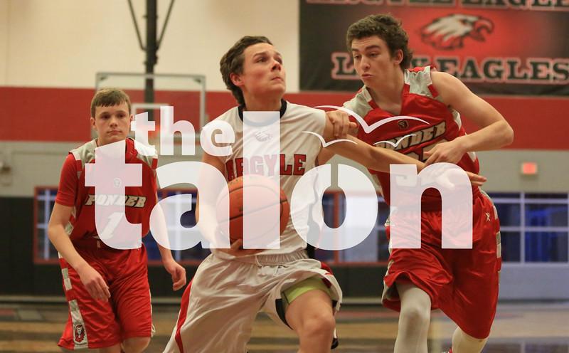 Freshmen Boys basketball take on Ponder (Tuesday,  Jan. at Eagle gym in Argyle, Texas. (Kirby Reyes / The Talon News)
