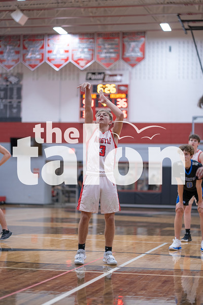 The JV Eagles take the win against Decatur at Argyle High School on January 15, 2021.  (Nicholas West | The Talon News)
