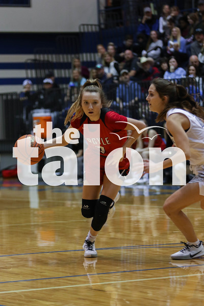 The Lady Eagles defeat the Decatur Eagles at Decatur high school on January 24, 2020. ( Katie Ray | The Talon News )
