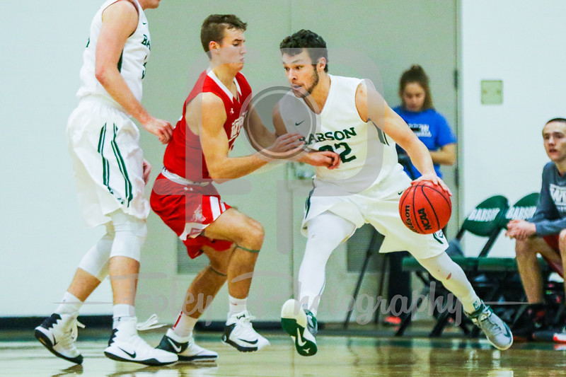 Babson College Beavers guard Joey Flannery (32) WPI Engineers guard Chris Rodgers (5)