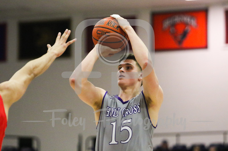 Holy Cross Crusaders forward Matt Faw (15)