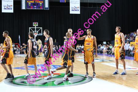 Kings Vs Tigers - GF - Game 1- 1-3-08_0036