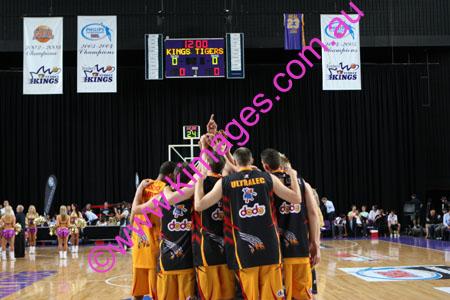 Kings Vs Tigers - GF - Game 1- 1-3-08_0039