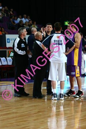Kings Vs Adel 20-1-07 (310)