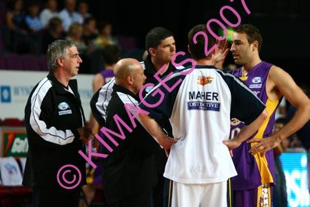 Kings Vs Adel 20-1-07 (308)
