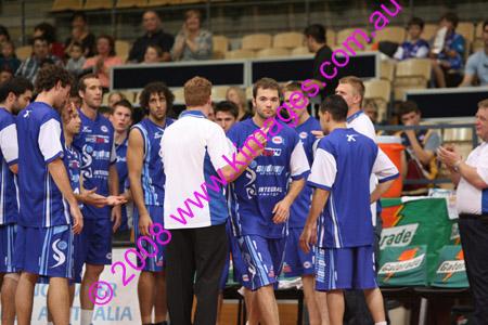 Spirit Vs Perth 11-10-08 ©KIMAGES2008_0010