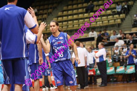 Spirit Vs Perth 11-10-08 ©KIMAGES2008_0033