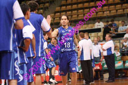 Spirit Vs Perth 11-10-08 ©KIMAGES2008_0031