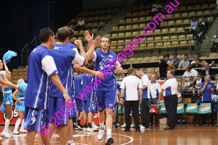 Spirit Vs Perth 11-10-08 ©KIMAGES2008_0019