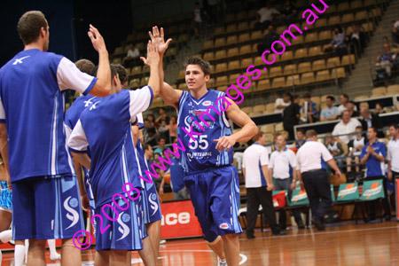 Spirit Vs Perth 11-10-08 ©KIMAGES2008_0044a