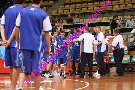 Spirit Vs Perth 11-10-08 ©KIMAGES2008_0013
