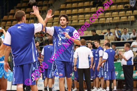 Spirit Vs Perth 11-10-08 ©KIMAGES2008_0008