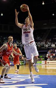Matthew Burston - Adelaide 36er's - Images from the 2009/10 NBL Round 10 match between the Wollongong Hawks and Adelaide 36er's played at Win Entertainment Centre on Wednesday the 25th of November 2009. The match was won by Adelaide 82-59 . (PHOTO: ROB SHEELEY - SMP IMAGES) These images are intended for editorial use only (e.g. news or commentary print or electronic). Any commercial or promotional use requires additional clearance.