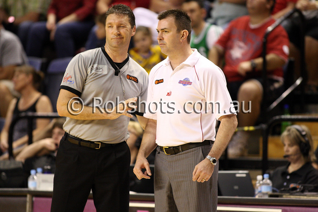 36er's coach Scott Ninnis talks to a referee about a decision - Images from the 2009/10 NBL Round 10 match between the Wollongong Hawks and Adelaide 36er's played at Win Entertainment Centre on Wednesday the 25th of November 2009. The match was won by Adelaide 82-59 . (PHOTO: ROB SHEELEY - SMP IMAGES) These images are intended for editorial use only (e.g. news or commentary print or electronic). Any commercial or promotional use requires additional clearance.