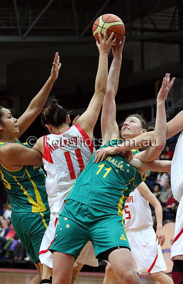 Opals Vs China - AIS Arena 11th August 2009 - Elyse Penaluna 101