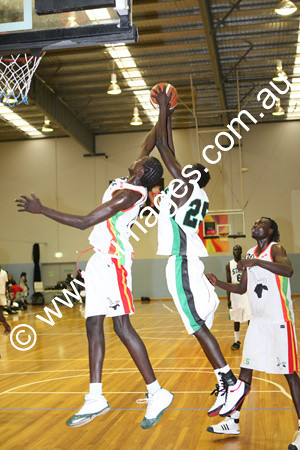 Sudanese Comp 19-20-12-09 - ©KIMAGES093474