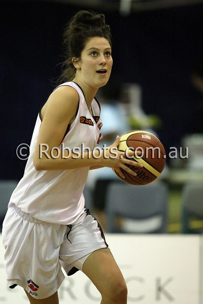 Adrienne Jones - A.I.S - Images from the 2009/10 WNBL Round 9 match between the Sydney Uni Flames and the Australian Institute Of Sport at the Acuvue Sports Hall, Sydney on Wednesday the 2nd of December 2009. The match was won by Sydney Uni 101-49.   (PHOTO: ROB SHEELEY - SMP IMAGES) These images are intended for editorial use only (e.g. news or commentary print or electronic). Any commercial or promotional use requires additional clearance.
