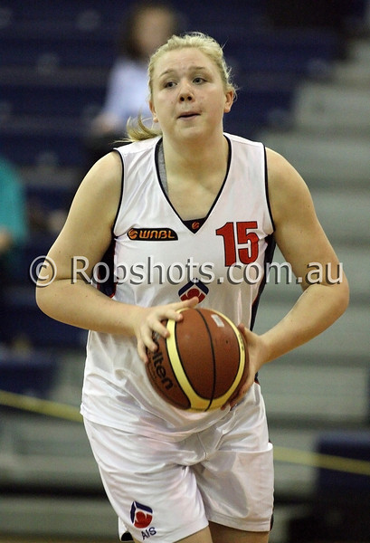Tayla Roberts - A.I.S - Images from the 2009/10 WNBL Round 9 match between the Sydney Uni Flames and the Australian Institute Of Sport at the Acuvue Sports Hall, Sydney on Wednesday the 2nd of December 2009. The match was won by Sydney Uni 101-49.   (PHOTO: ROB SHEELEY - SMP IMAGES) These images are intended for editorial use only (e.g. news or commentary print or electronic). Any commercial or promotional use requires additional clearance.