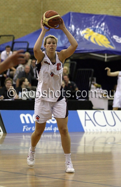 Michelle Joy - A.I.S - Images from the 2009/10 WNBL Round 9 match between the Sydney Uni Flames and the Australian Institute Of Sport at the Acuvue Sports Hall, Sydney on Wednesday the 2nd of December 2009. The match was won by Sydney Uni 101-49.   (PHOTO: ROB SHEELEY - SMP IMAGES) These images are intended for editorial use only (e.g. news or commentary print or electronic). Any commercial or promotional use requires additional clearance.