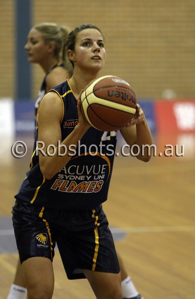 Deanna Smith - Sydney Uni Flames - Images from the 2009/10 WNBL Round 9 match between the Sydney Uni Flames and the Australian Institute Of Sport at the Acuvue Sports Hall, Sydney on Wednesday the 2nd of December 2009. The match was won by Sydney Uni 101-49.   (PHOTO: ROB SHEELEY - SMP IMAGES) These images are intended for editorial use only (e.g. news or commentary print or electronic). Any commercial or promotional use requires additional clearance.