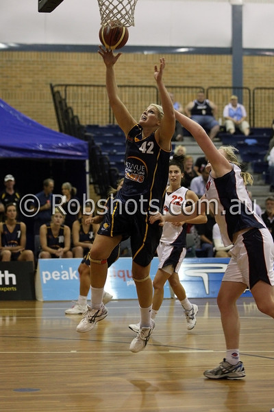 Ellie Manou - Sydney Uni Flames - Images from the 2009/10 WNBL Round 9 match between the Sydney Uni Flames and the Australian Institute Of Sport at the Acuvue Sports Hall, Sydney on Wednesday the 2nd of December 2009. The match was won by Sydney Uni 101-49.   (PHOTO: ROB SHEELEY - SMP IMAGES) These images are intended for editorial use only (e.g. news or commentary print or electronic). Any commercial or promotional use requires additional clearance.