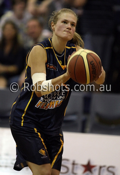 Sally Potocki - Sydney Uni Flames - Images from the 2009/10 WNBL Round 9 match between the Sydney Uni Flames and the Australian Institute Of Sport at the Acuvue Sports Hall, Sydney on Wednesday the 2nd of December 2009. The match was won by Sydney Uni 101-49.   (PHOTO: ROB SHEELEY - SMP IMAGES) These images are intended for editorial use only (e.g. news or commentary print or electronic). Any commercial or promotional use requires additional clearance.
