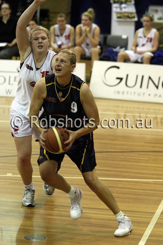 Suzy Batkovic-Brown - Sydney Uni Flames - Images from the 2009/10 WNBL Round 9 match between the Sydney Uni Flames and the Australian Institute Of Sport at the Acuvue Sports Hall, Sydney on Wednesday the 2nd of December 2009. The match was won by Sydney Uni 101-49.   (PHOTO: ROB SHEELEY - SMP IMAGES) These images are intended for editorial use only (e.g. news or commentary print or electronic). Any commercial or promotional use requires additional clearance.