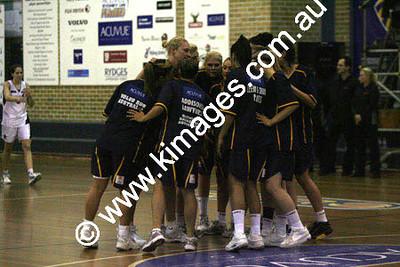 Flames Vs AIS 30-10-09 ©Kimages09_0034