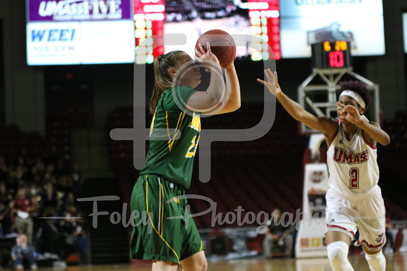North Dakota State Bison guard Kennedy Childers (23)