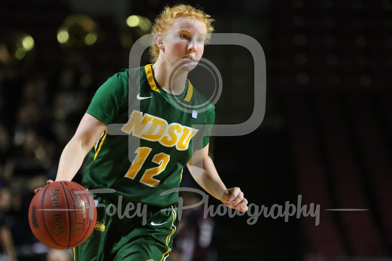 North Dakota State Bison guard Sarah Jacobson (12)