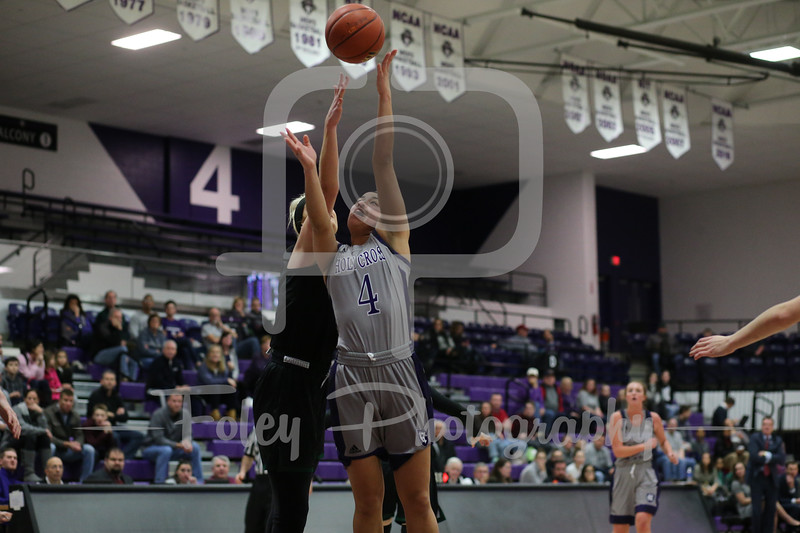 Holy Cross Crusaders guard Jenay Faulkner (4)