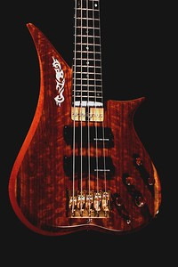 IMG_0646 BLDesign.us: 008 Marozi 5-string bolt-on prototype. Photos: Marc Pagano. Slideshow Music: Nick Rosenthal and Beau Leopard.  All Content © 2005-2007 Beau Leopard Design .:. Custom Bass Guitars