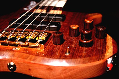 IMG_0548 BLDesign.us: 008 Marozi 5-string bolt-on prototype. Photos: Marc Pagano. Slideshow Music: Nick Rosenthal and Beau Leopard.  All Content © 2005-2007 Beau Leopard Design .:. Custom Bass Guitars